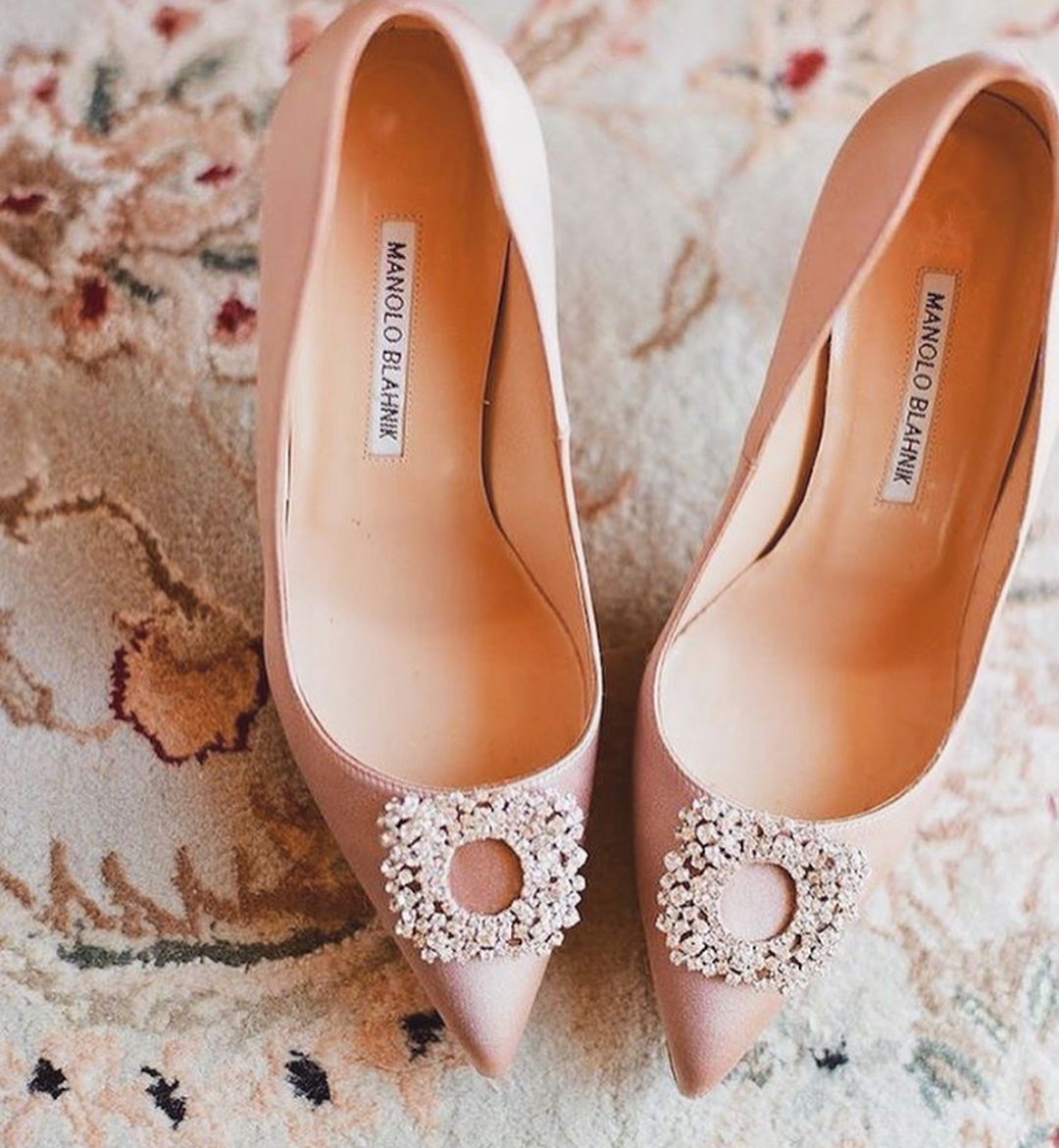 Ivory Color Pointed Toe High Heels Shoes.