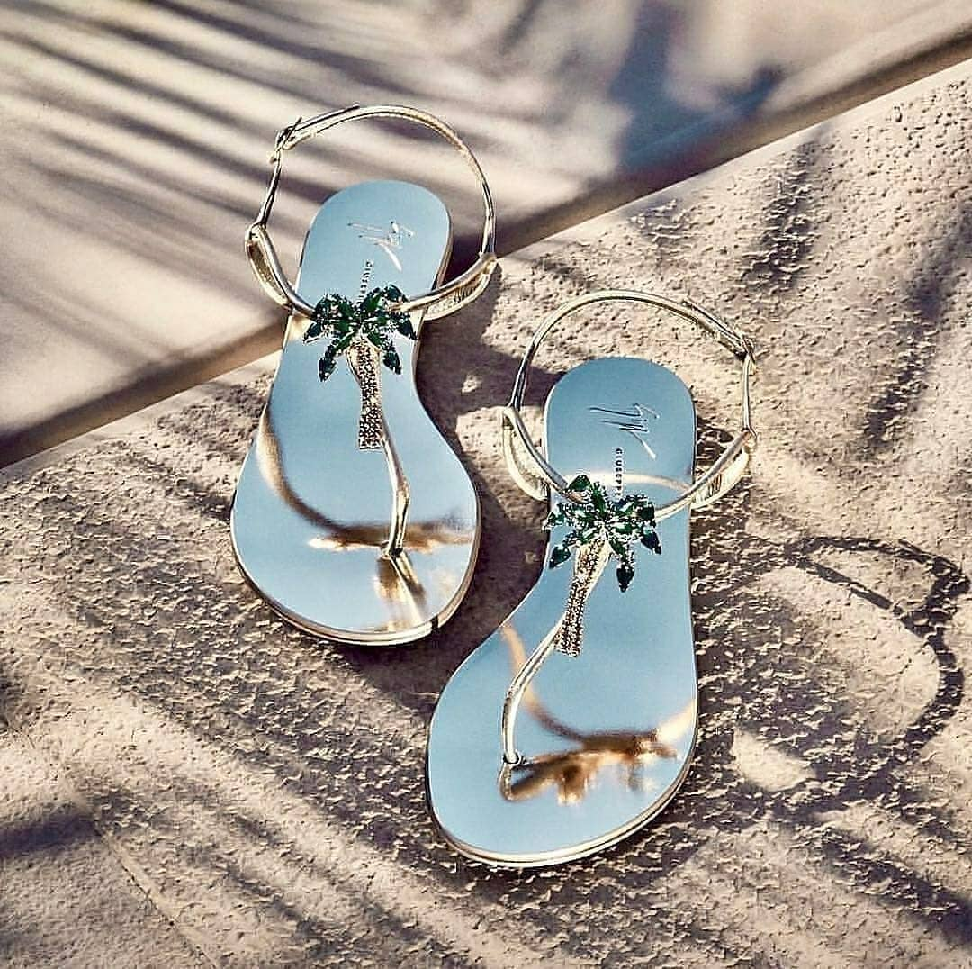 Women's Beach Sandals with Palm Tree in Rhinestones.