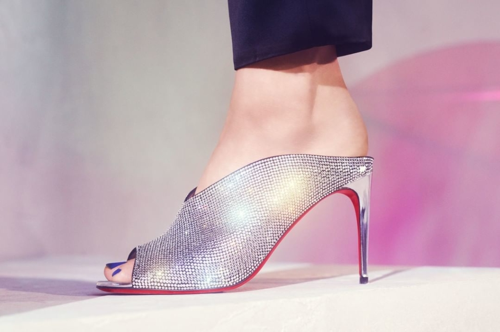 Dark Silver Rhinestone High Heels Slipper with Peep Toe.