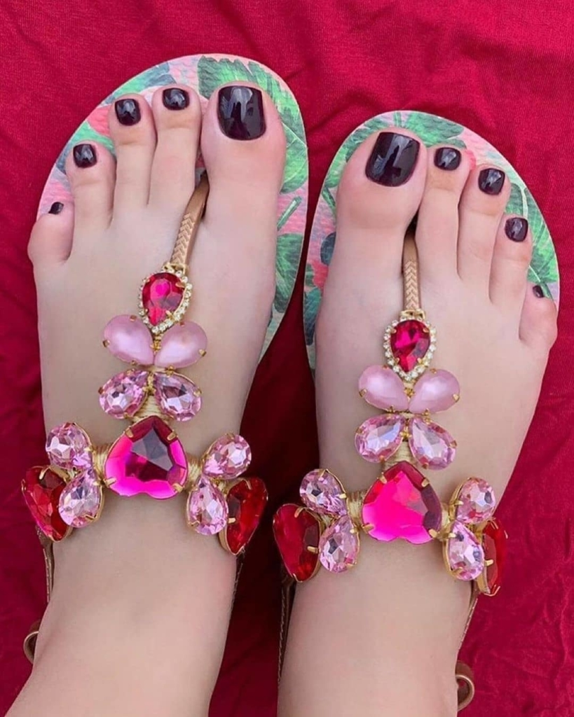 Green Beach Wear Thongs Slippers with Pink Rhinestones.