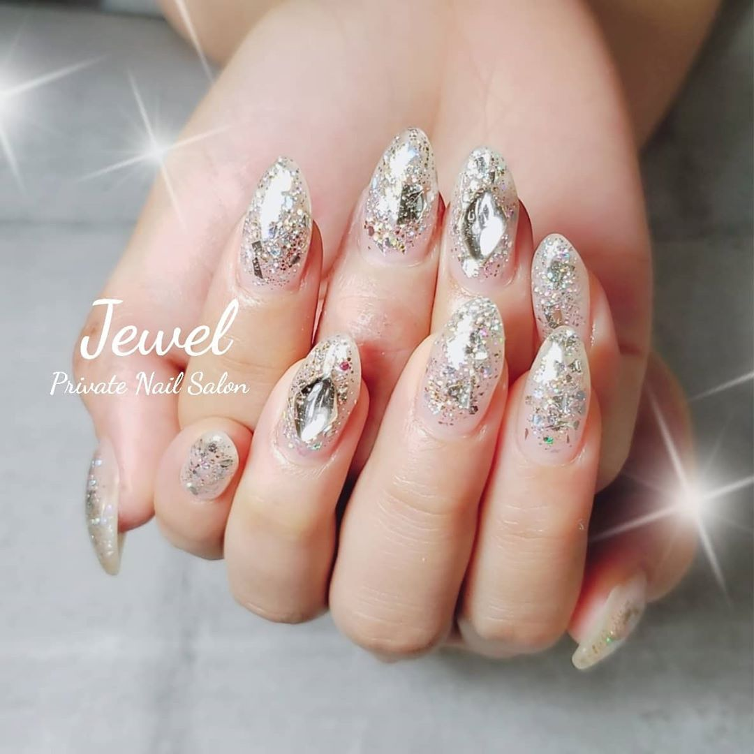 Nail Colour Polish with Silver Glitters and Clear Rhinestones
