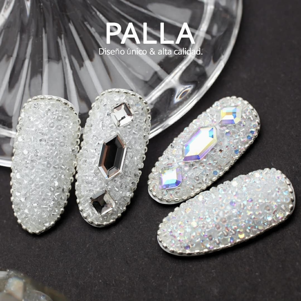 Fake Finger Nails With Clear Rhinestones with Clear Diamond Stones