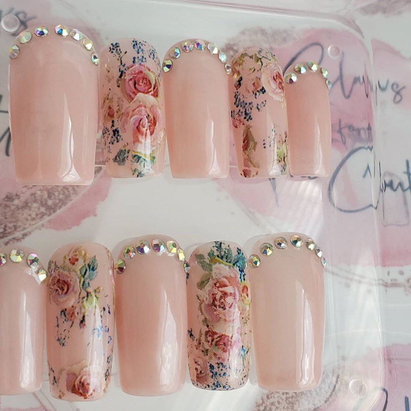Fake Finger Nails with Rhinestones and Colourful Art