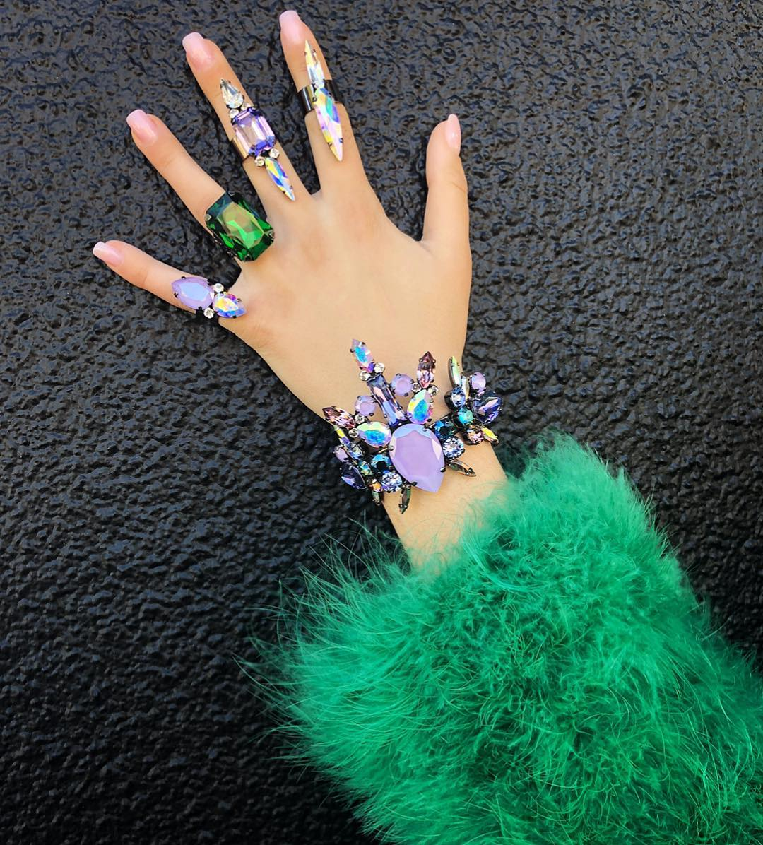 Best Jewelry Online: Iridescent and Coloured Rhinestones Bracelet with Matching Rings