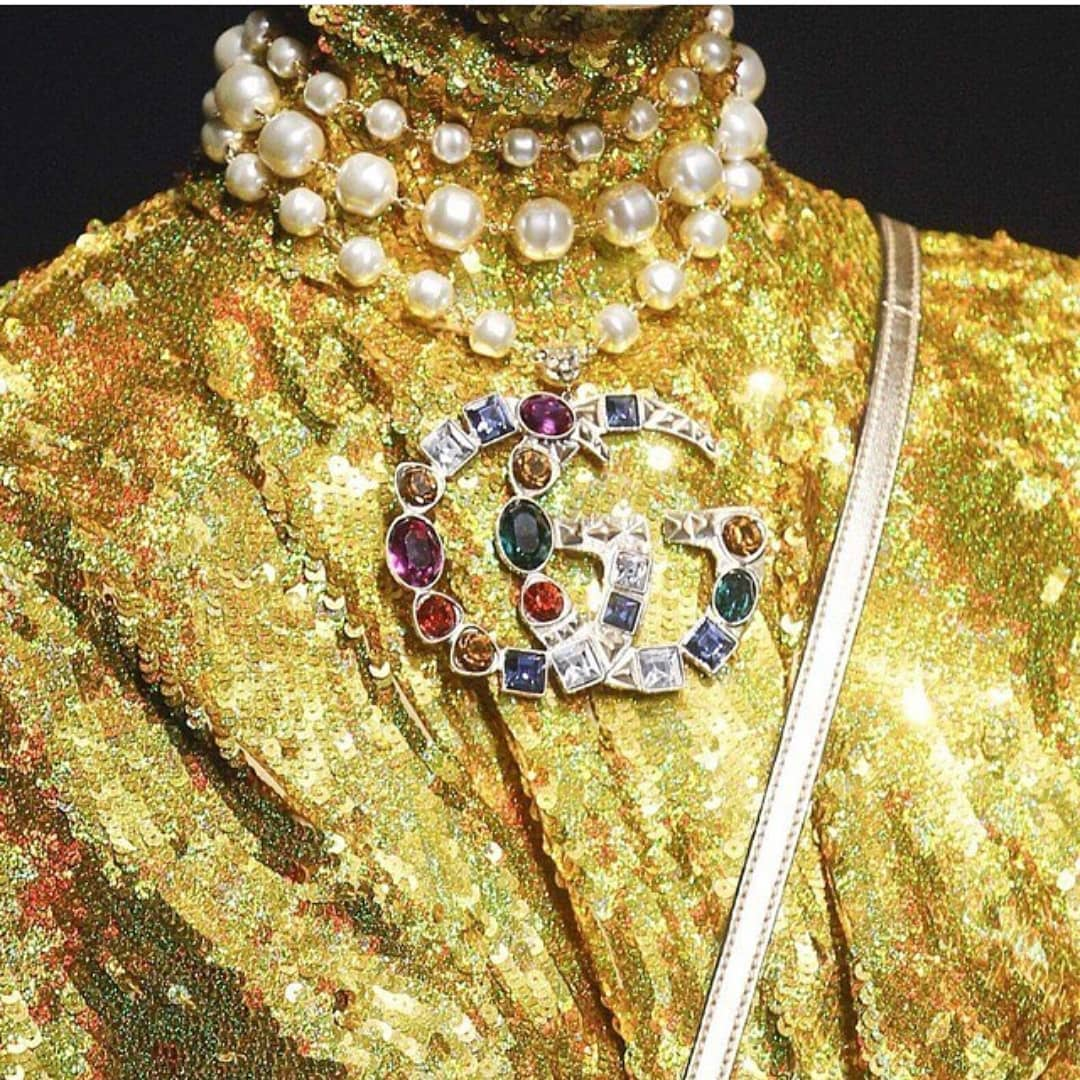 Sequin Outfit with Chinese Collar in Gold.