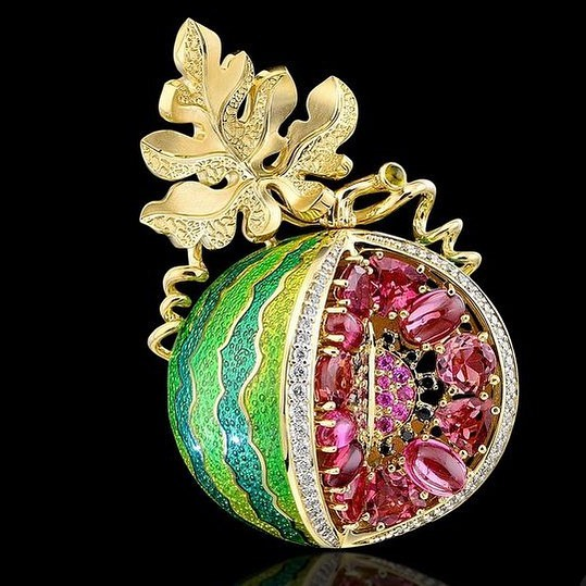 Best Jewelry Online: Watermelon Brooch with Pink Sapphires Online Jewelry