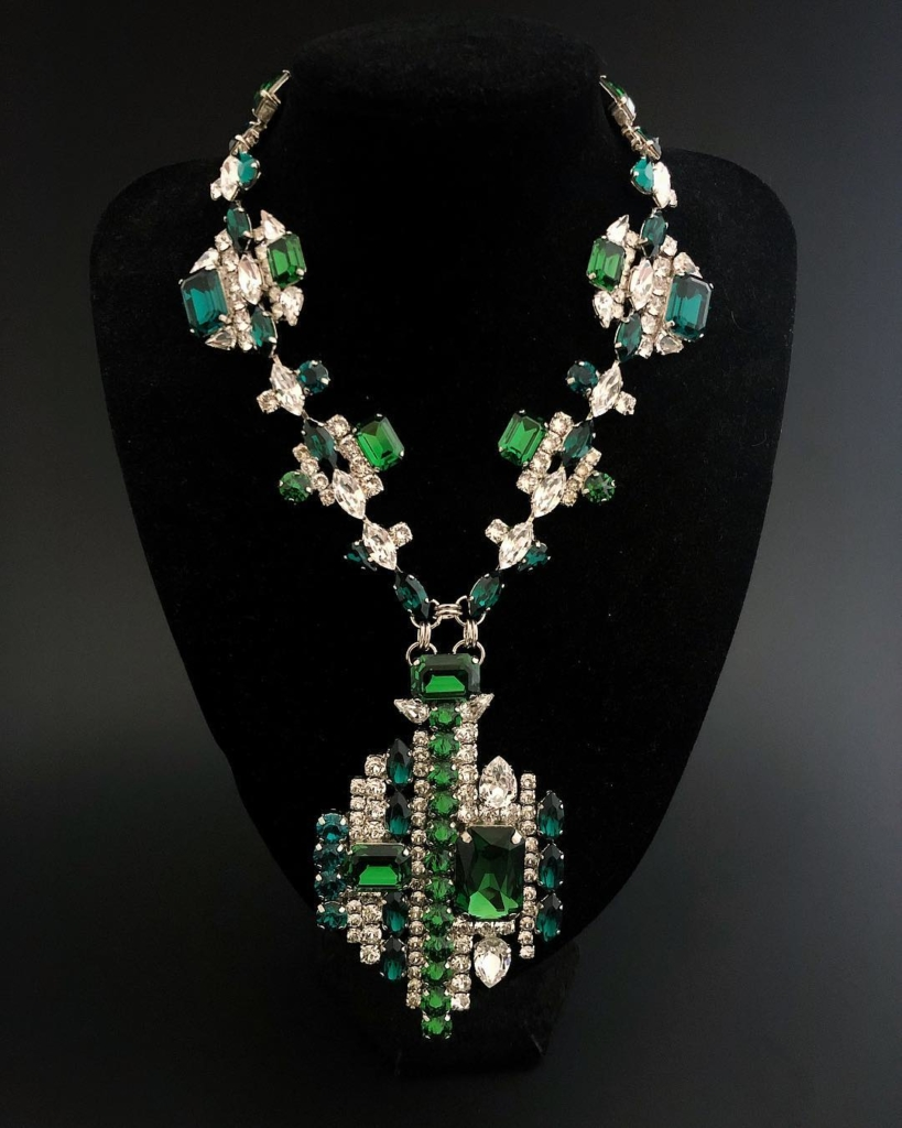 Emerald Crystal with Clear Rhinestones Necklace