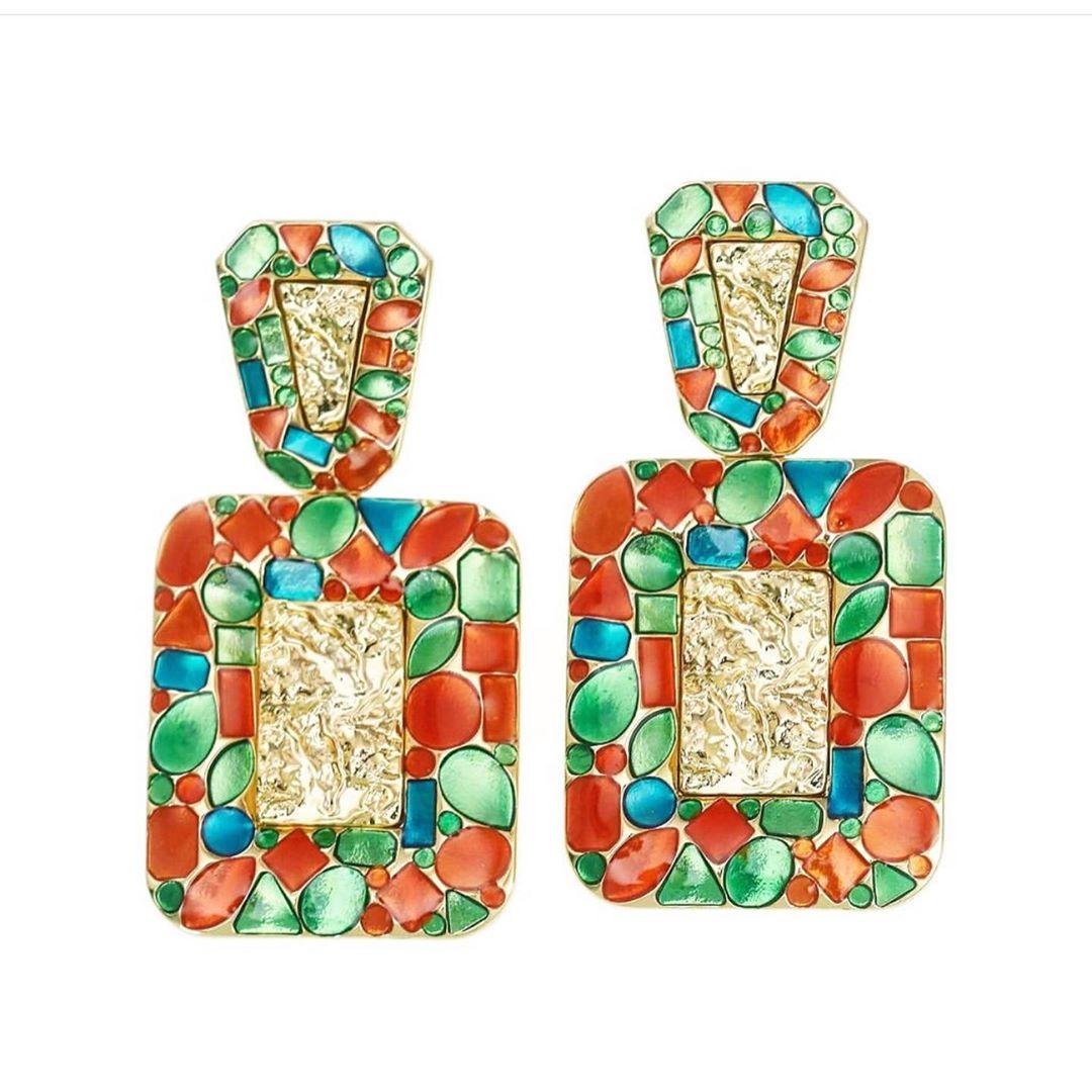 Best Jewelry Online: Gold Toned Earrings with Enamel Finish