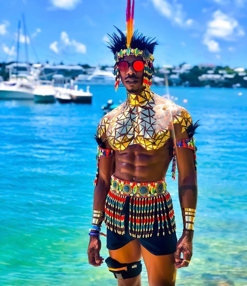 Men's Short Pants with Gold Mirror Sequins and Beaded Fringes Accessories for Carnival Costume
