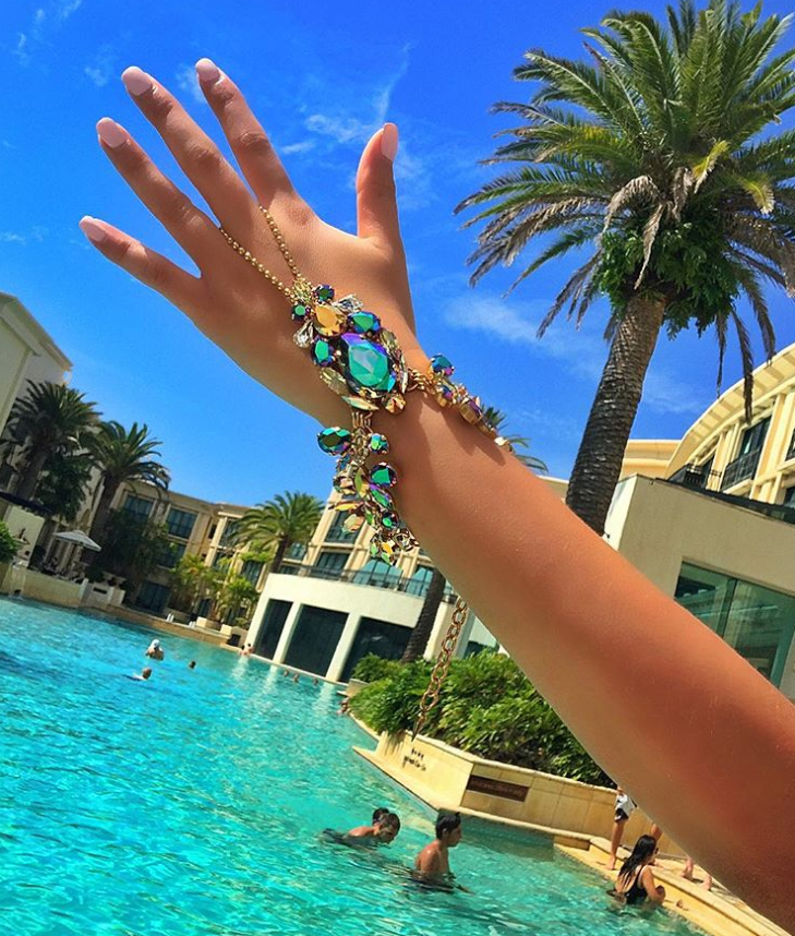 Crystal hand jewels
