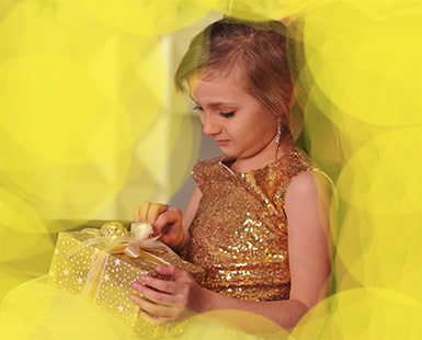 KIDS' BLING: 50 Glittery Clothing and Gift SOLUTIONS for MOMS