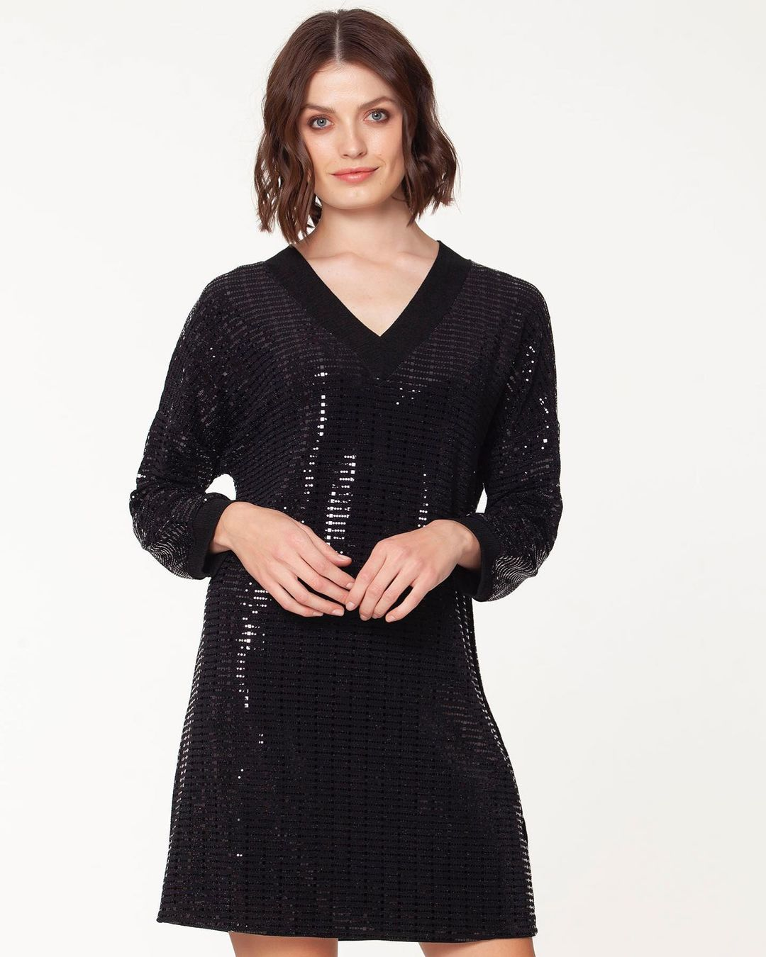 Gresey Style Short Sequin Dress with Long Sleeves