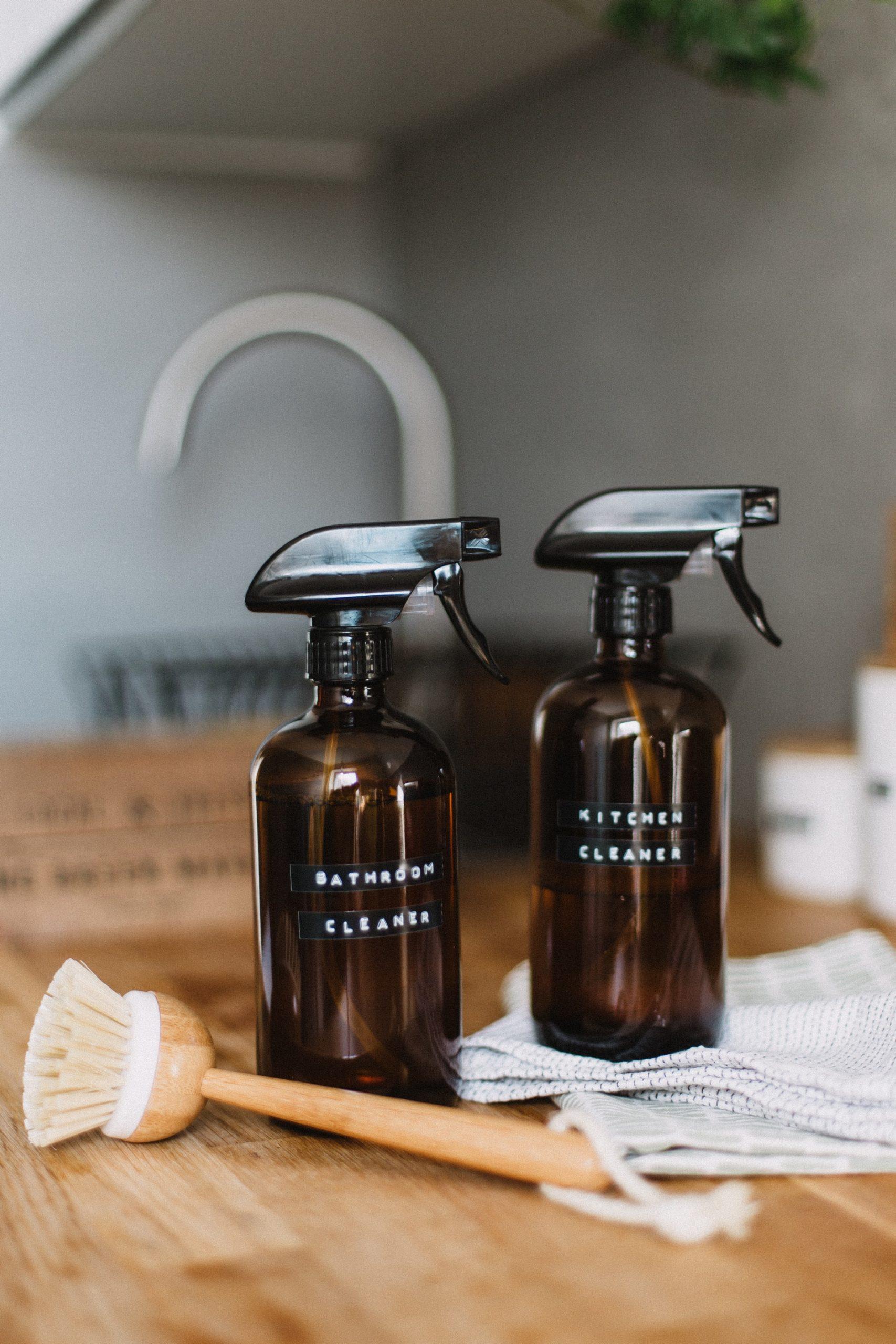 Spray White Vinegar on Bathroom Mildew