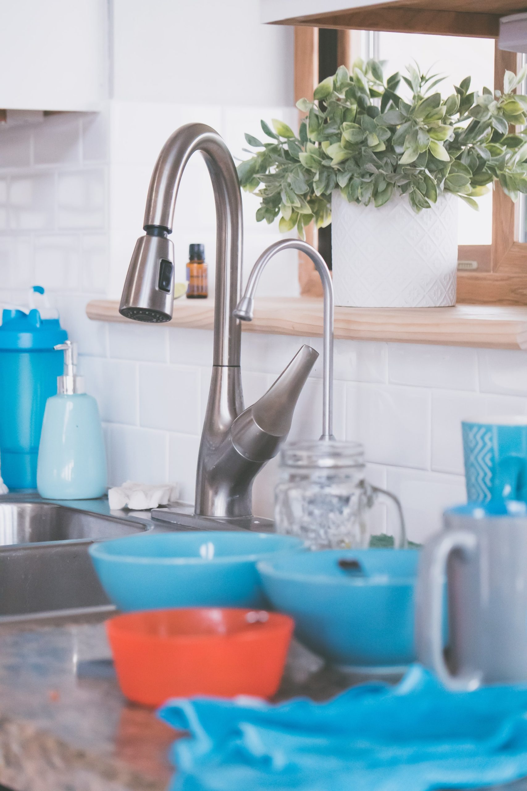 Use Vinegar to Polish Stainless Steel Taps