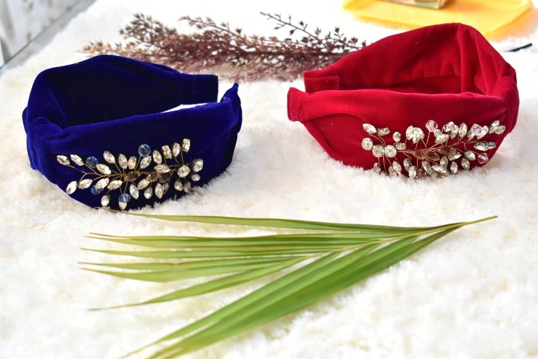 Exotic Headbands Crafted to Perfection with Rhinestone Brooches