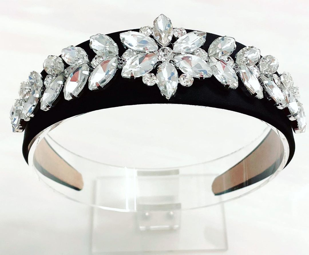 Large Clear Crystals in A Stunning Flower and Leaf Design Headband