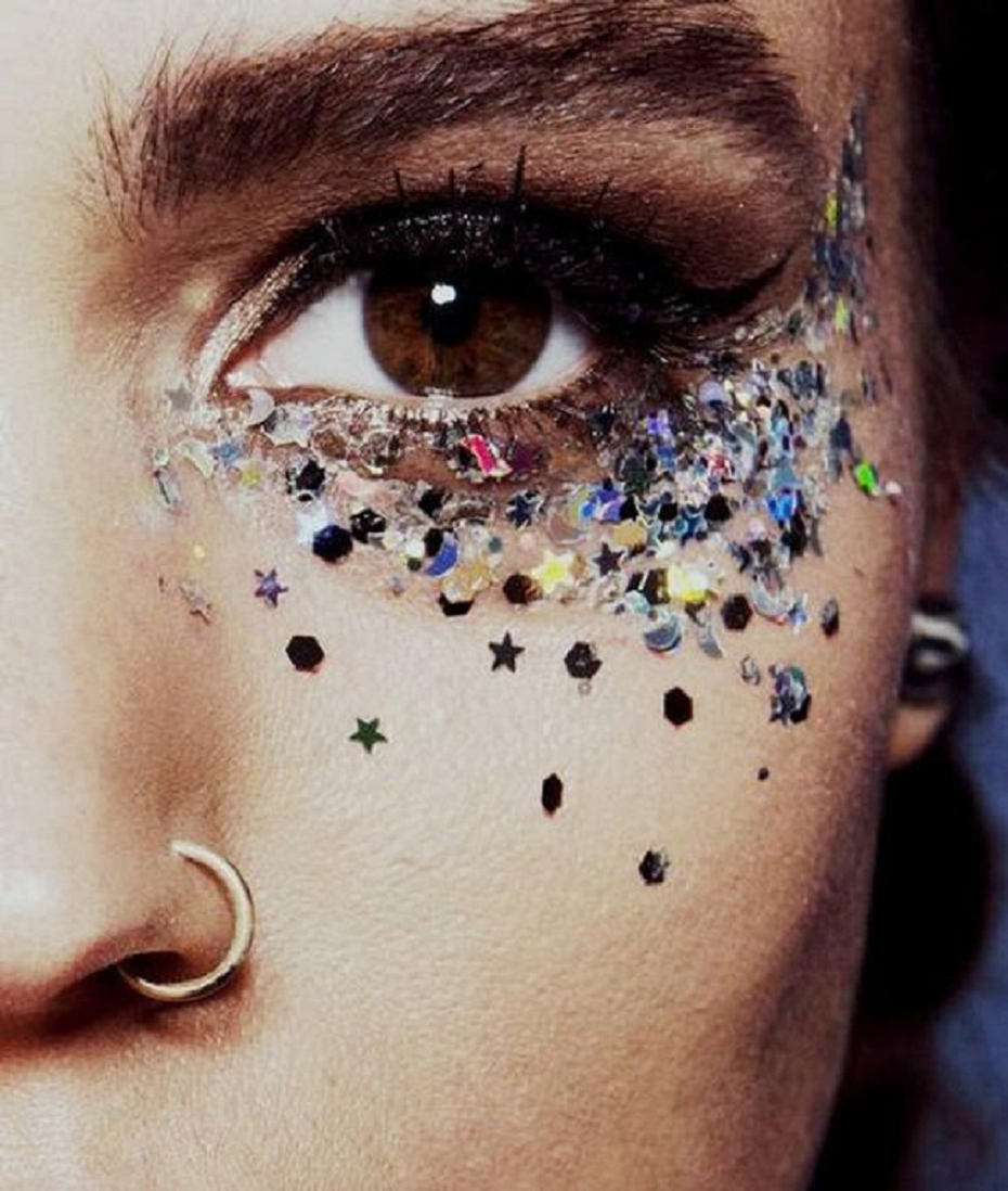 Bling makeup A Combination Of Holographic Stars, Silver Glitter and Large Round Holographic Spheres Face Makeup Bling