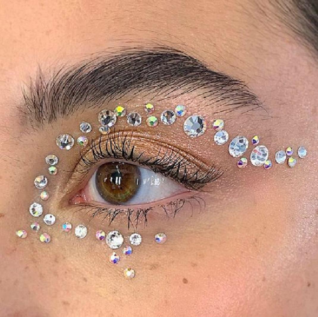 Bling makeup Silver Glittering Rhinestones Around The Eye