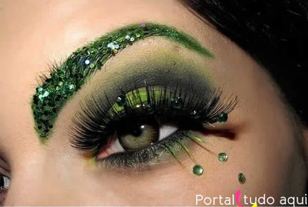 Bling makeup Green Eye Shade with Glittering Sequins with Rhinestones