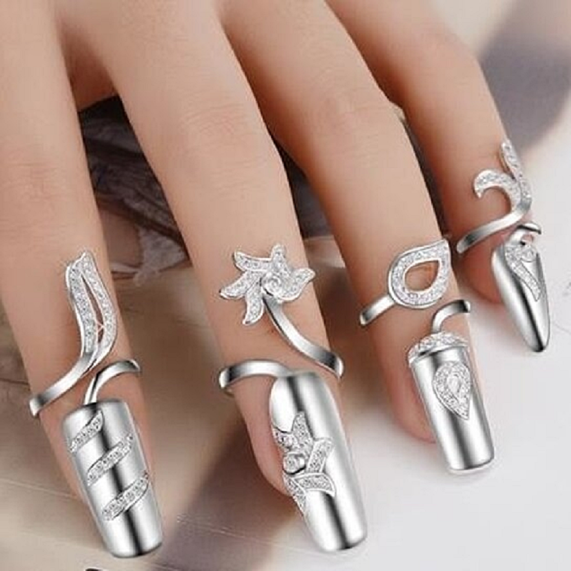 Nail ring bling 4PC Personality Fashion Creative Open Glittering Rhinestones Nail Ring