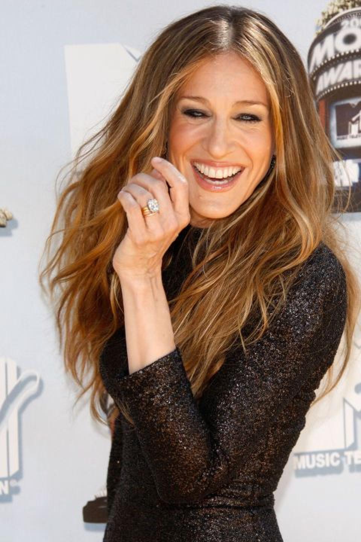 Celebrity Jewelry SJP Wears A Glittering Diamond Cut Ring