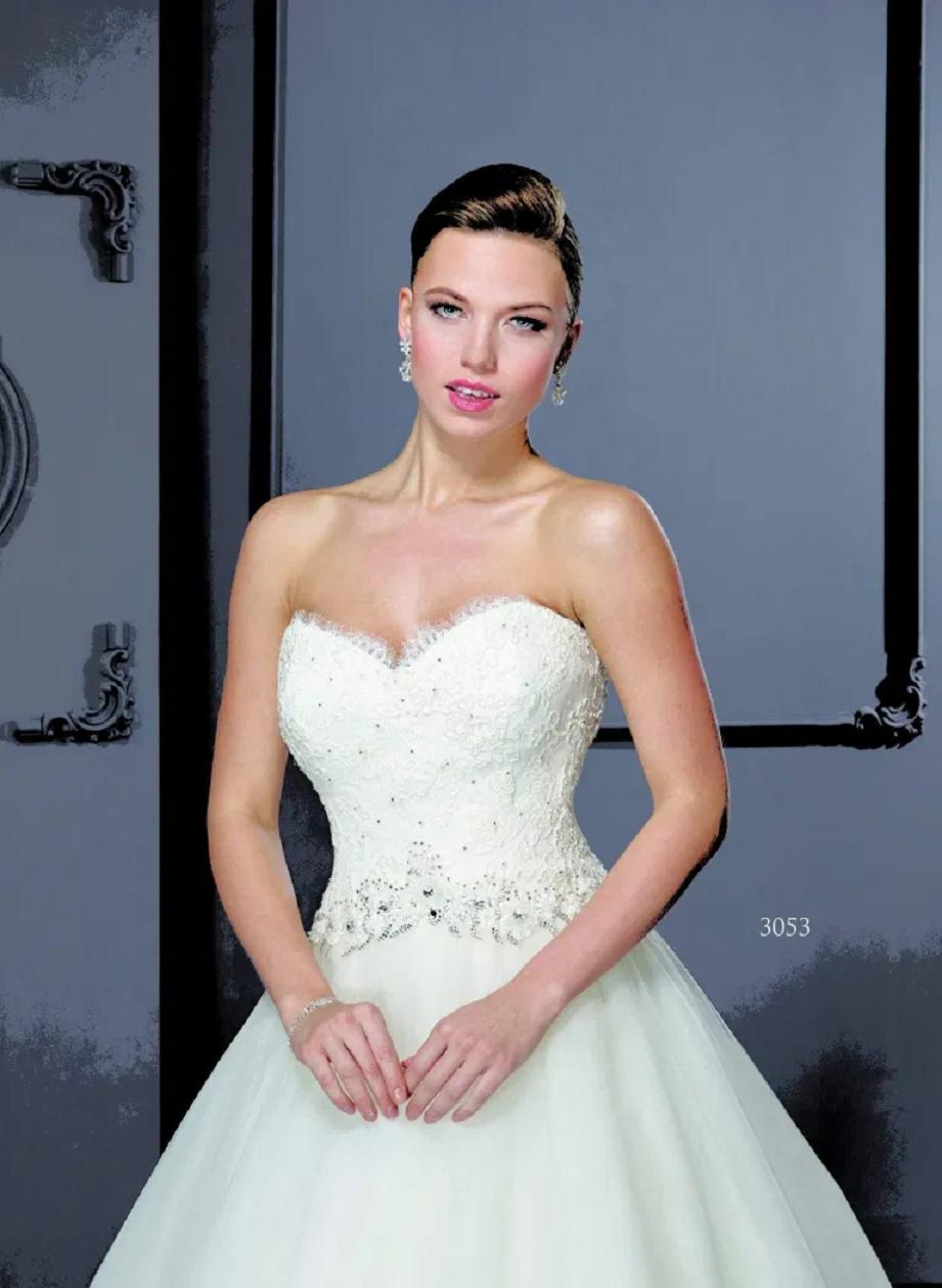 Wedding dress bling Elegant A-Line Sweetheart Neckline Off The Shoulder Glittering Bridal Gown