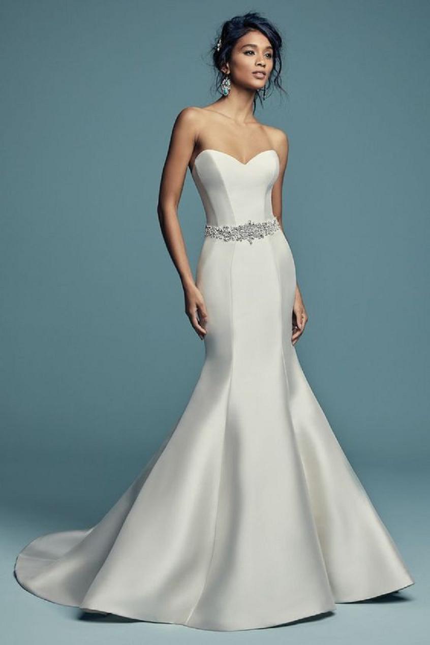 Wedding dress bling Vintage Mermaid Sweetheart Neckline Wedding Dress with Crystal Embellishments, and Perfect Princess Seams