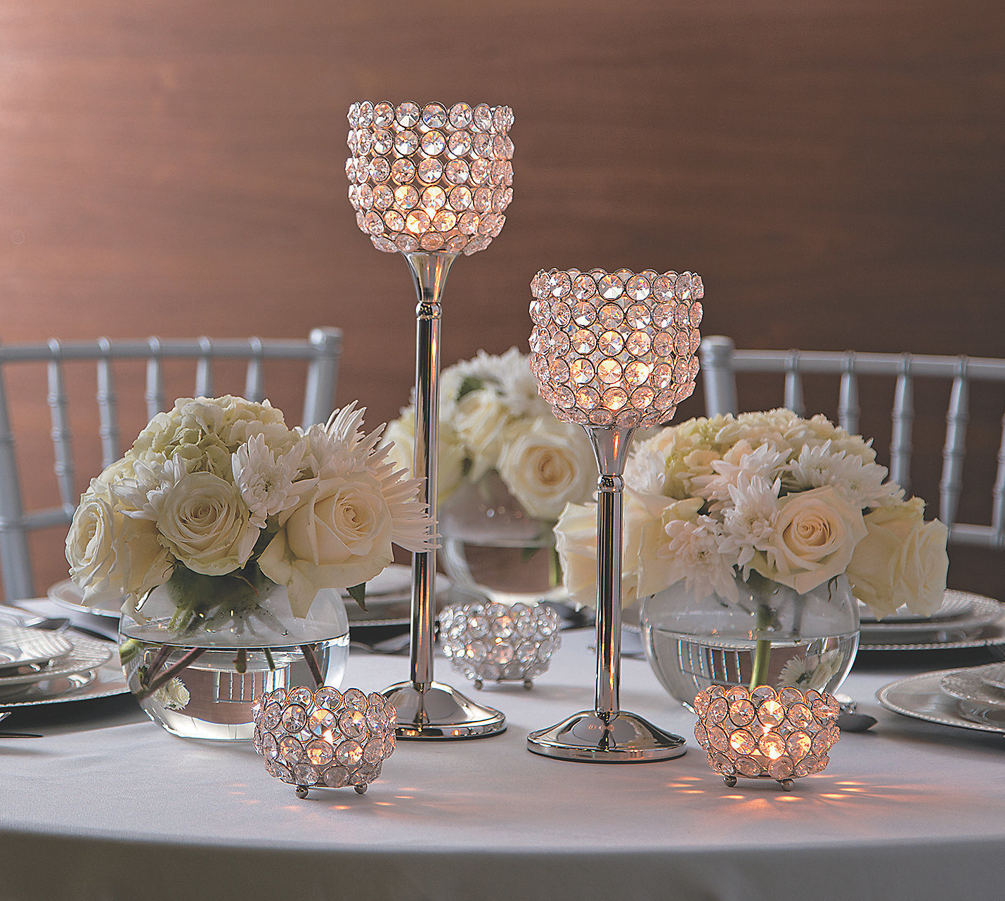 Bling wedding receptions Acrylic Crystal Bead Votive Candle Holders For A Wedding Dinner Table