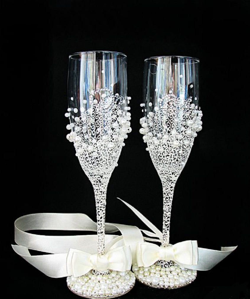 Bling wedding receptions Wedding Champagne Glasses In Ivory/White-Hand Painted Wedding Flutes-Pearls