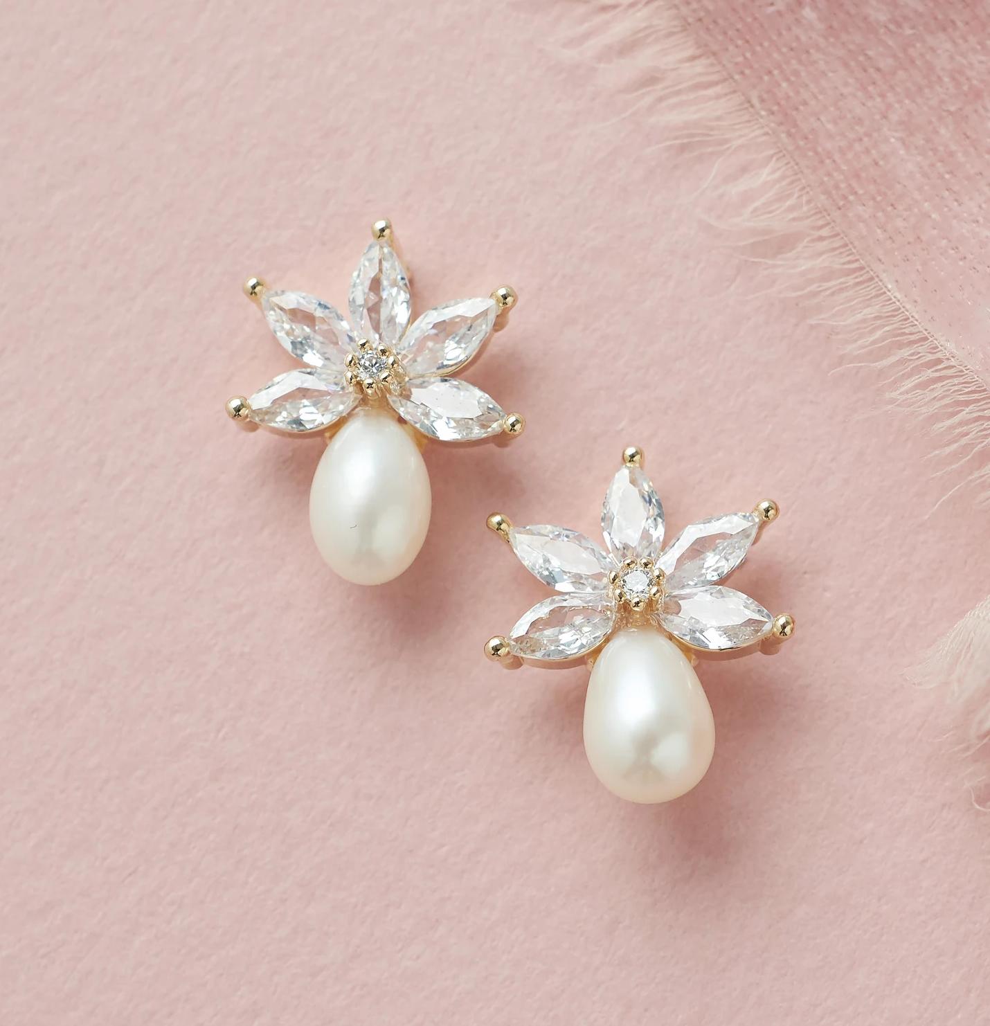 Bling wedding accessories Elegant Freshwater Pearl Stud Bridal Earrings
