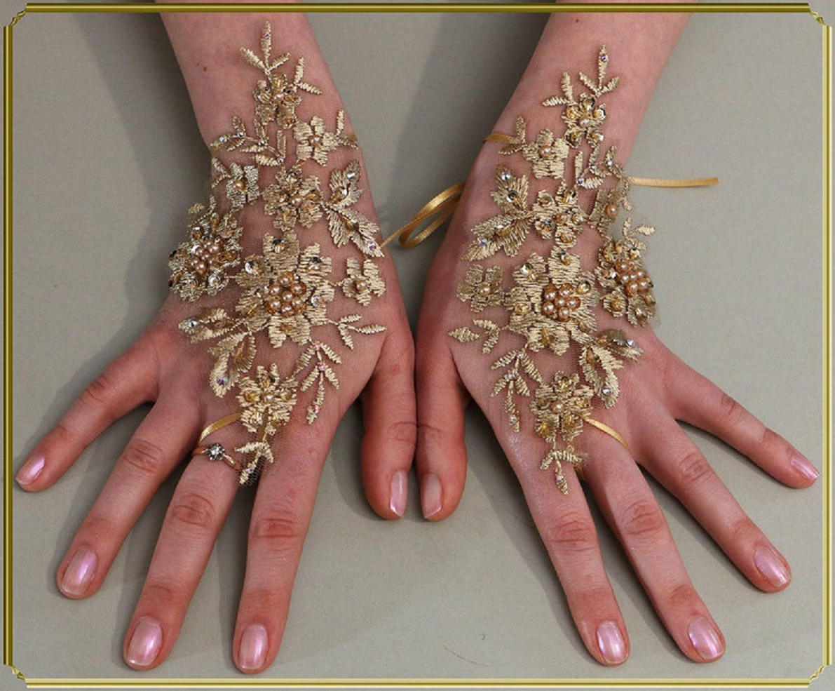 Bling wedding accessories Glittering Bride Pearls and Swarovski Crystal Gold Fingerless Gloves