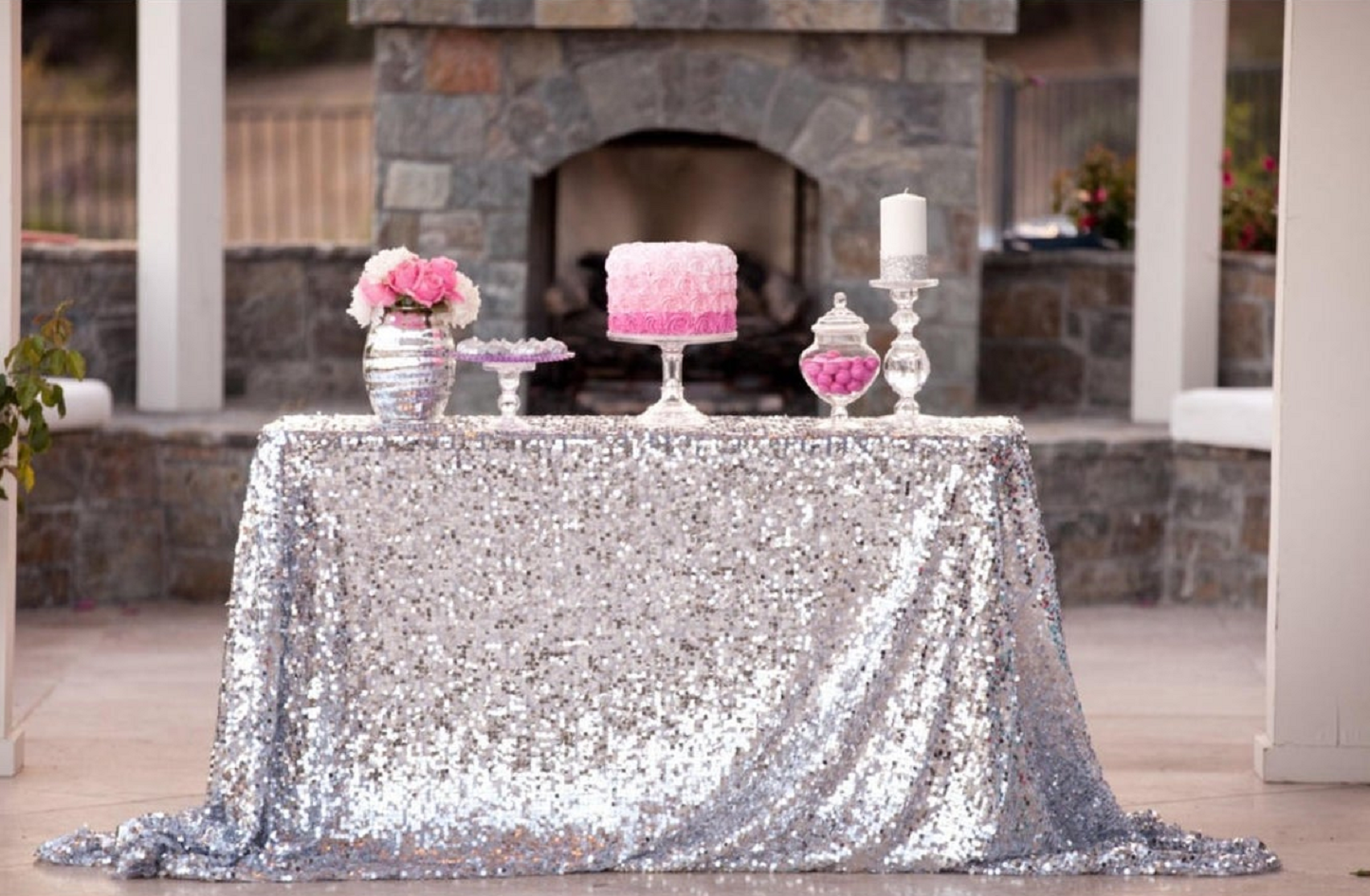 Bling wedding receptions Silver Sequin Wedding Cake Tablecloth with Crystal Flower Vase and Cake Raiser