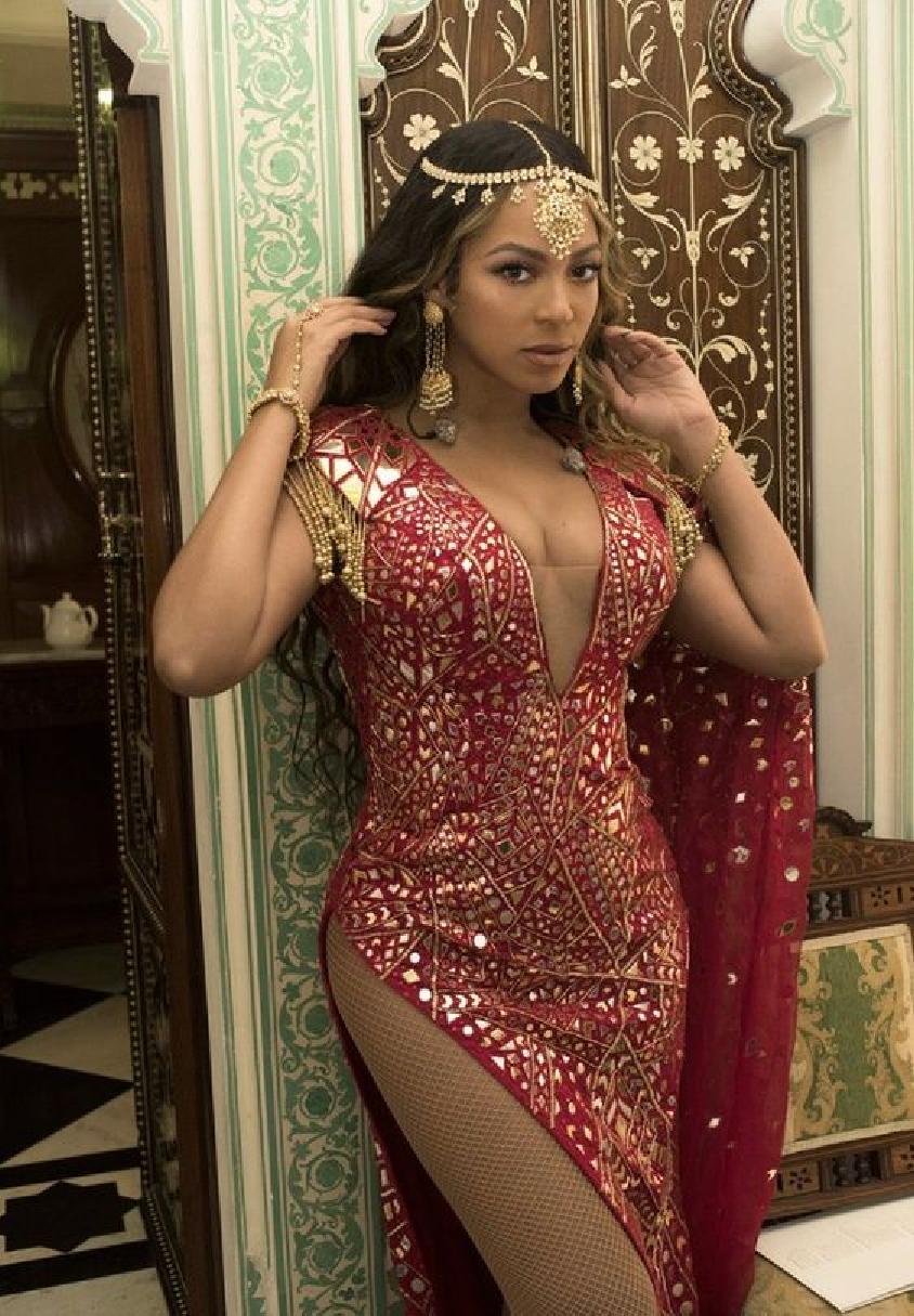 Celebrities Wearing Bling Beyoncé Wears The Made In India Bling Look