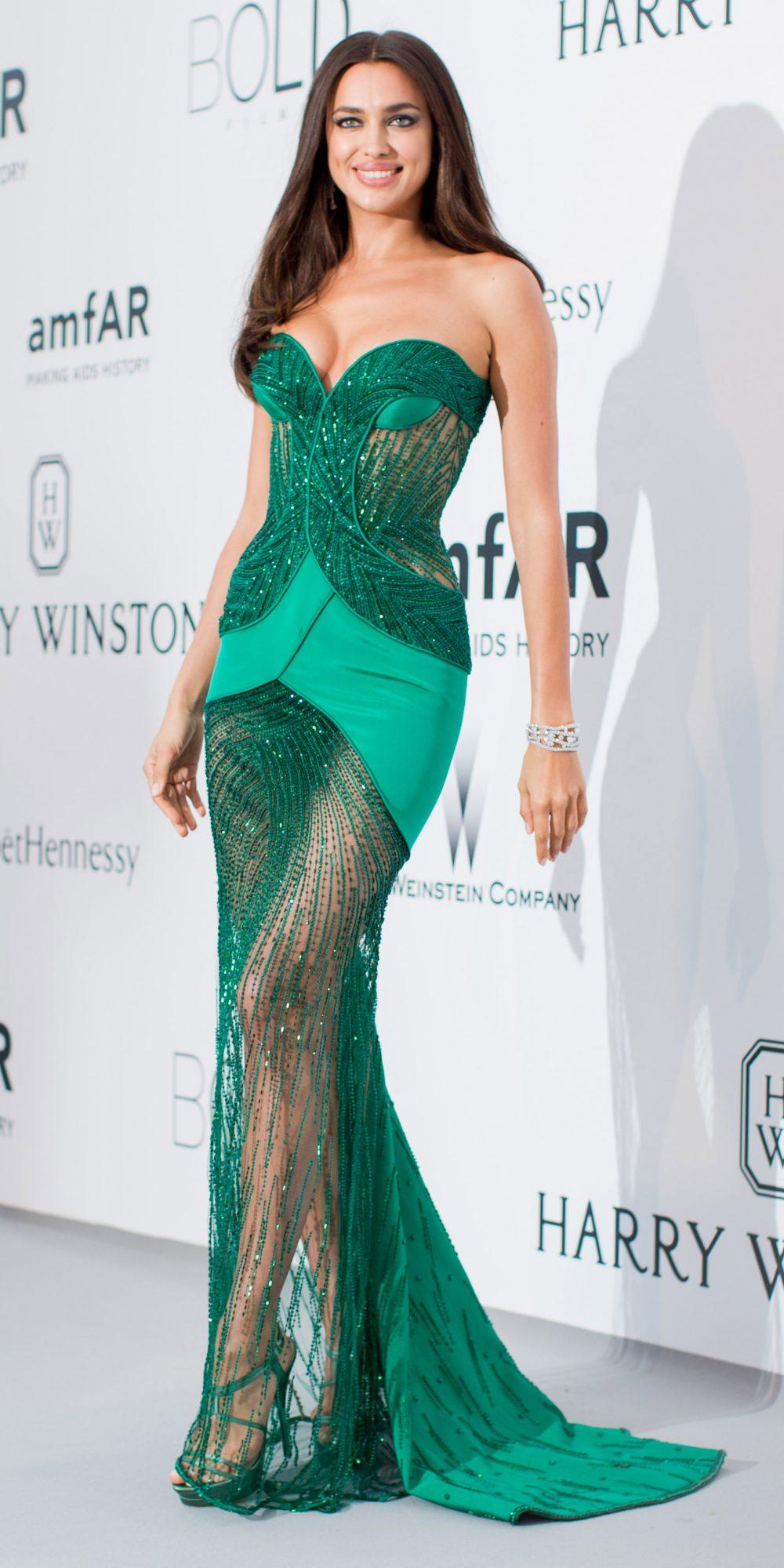 Celebrities Wearing Bling Irina Shayk Wears Her Emerald Green Jewelled Sweetheart Neck Long Gown