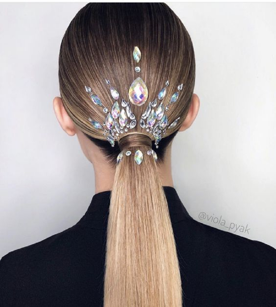 Bling hair accessories A Perfect Ponytail with Crystal Rhinestones Pinned On The Hair