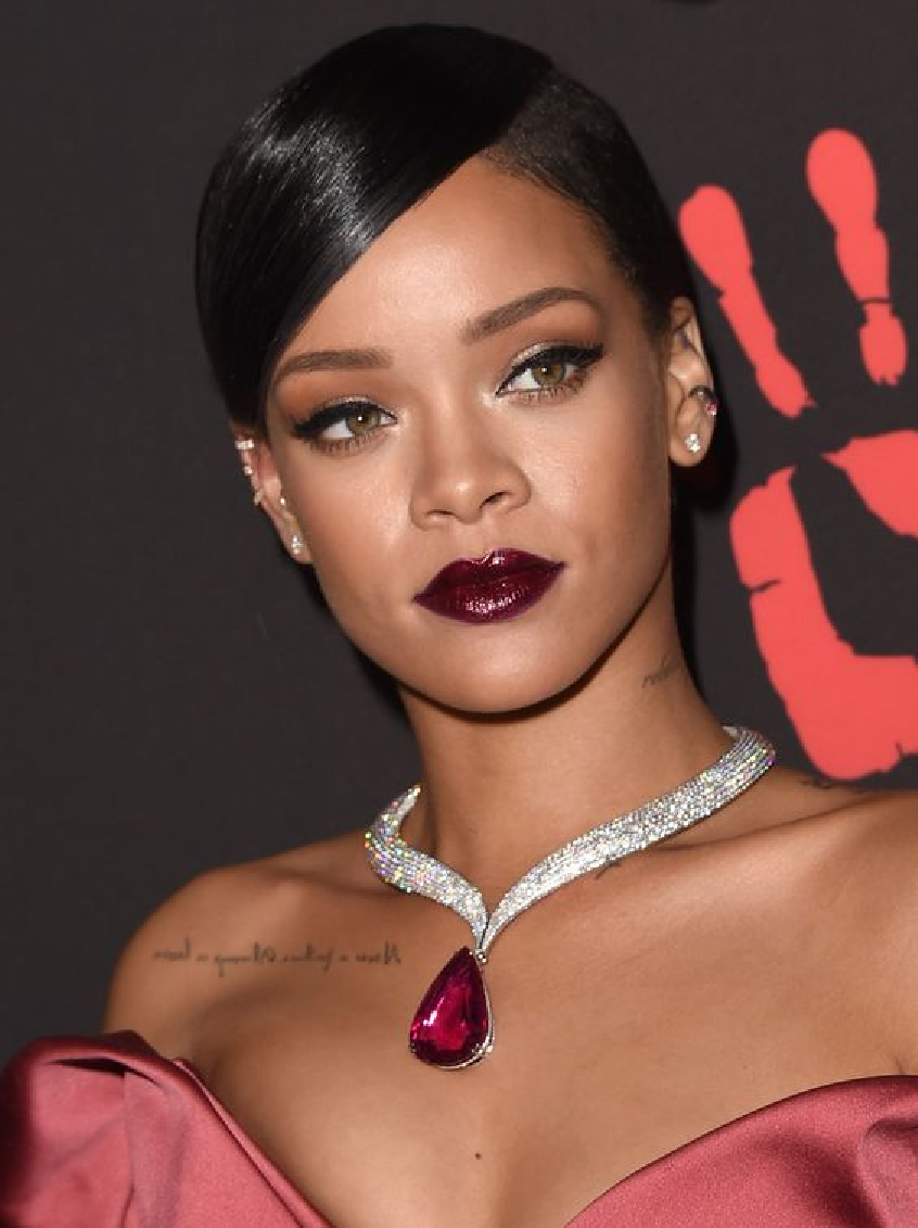 Celebrity Jewelry Rihanna Wears A Glittering Diamond Necklace with A Red Tear Drop Shaped Diamond