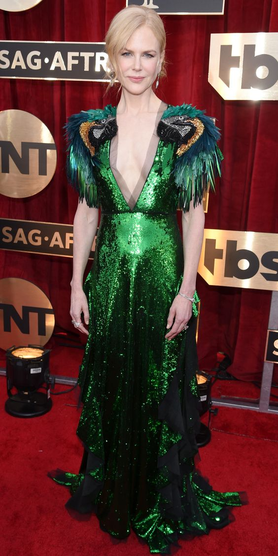 Red Carpet bling Nicole Kidman Wears A Emerald Green Sequin Long Gown with Deep V-Neck