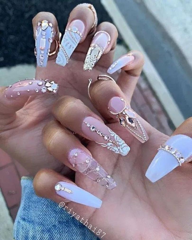 Bling fingernails