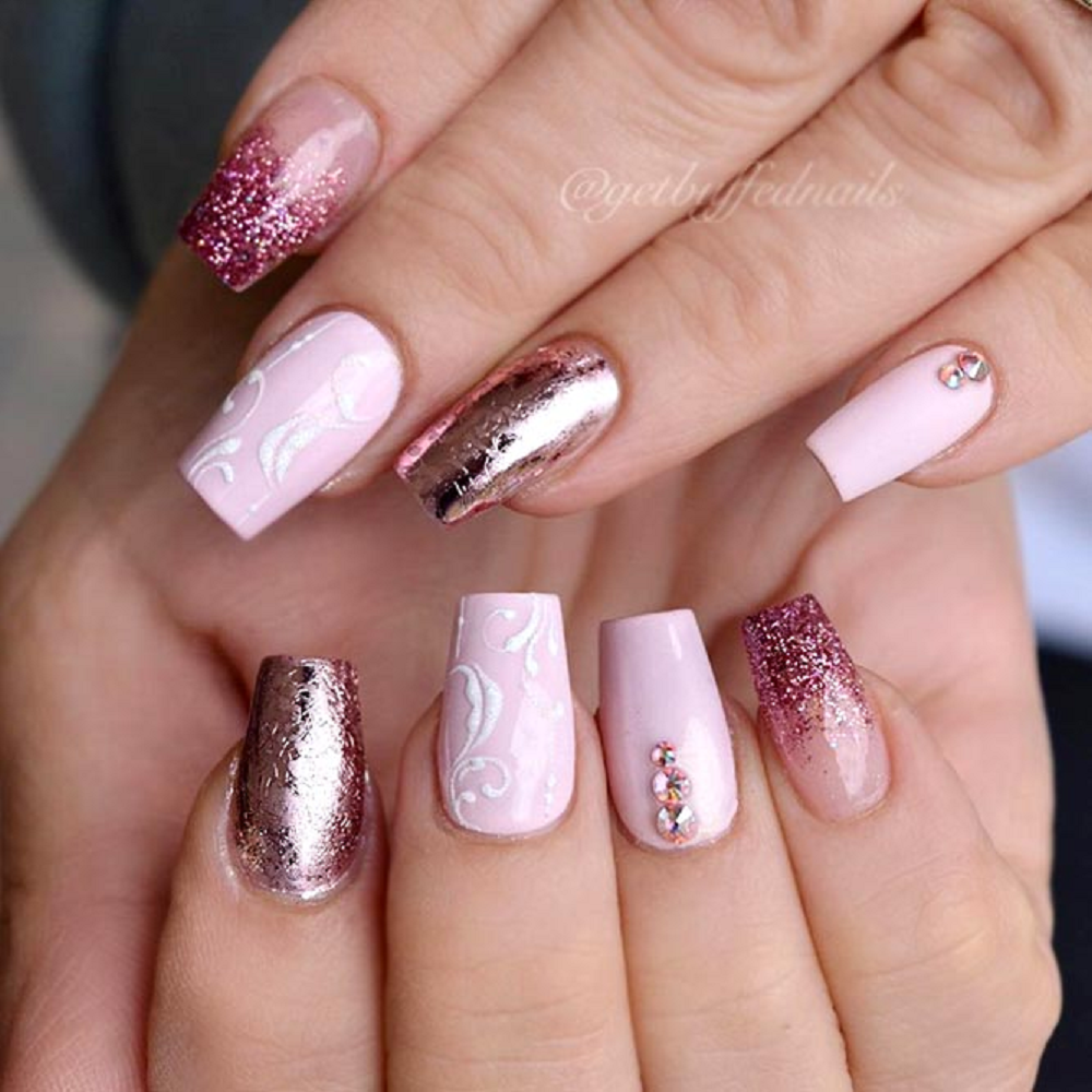 Bling fingernails Amazing Short Square Edge Nails with Pink and Gold Shades and Glittering Rhinestones
