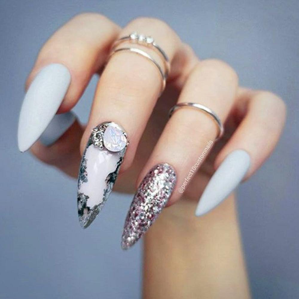 Bling fingernails Long-Sharp Tip Nails with Multi-Colour Nail Polish and A Tear Drop Shape Crystal