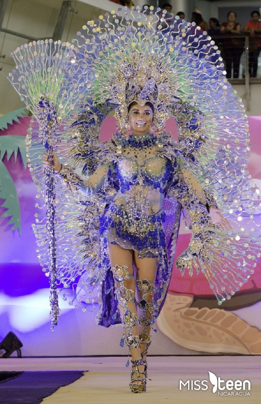 Bling carnival costumes Glittering and Grand Carnival Costume with Rhinestones and Beads and Knee High Sandals