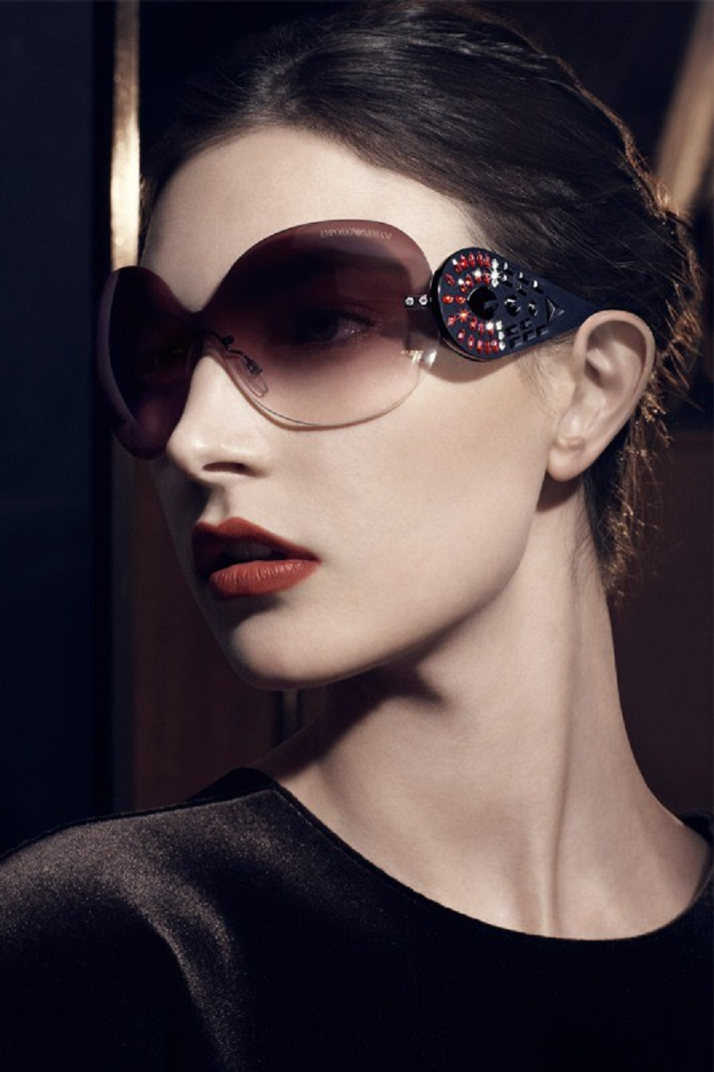 Bling sunglasses Over-Sized Frameless Glasses with Embilleshed Rhinestones On The Sides