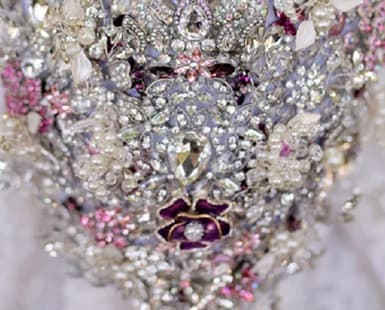Bling WEDDING ACCESSORIES: Touches of Magic for Your Special Day