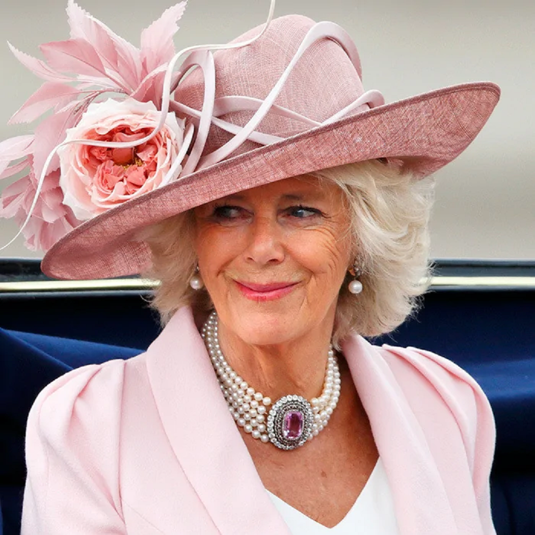 Royal bling Duchess Camilla's Pearl Necklace Features A Massive Pink Topaz Stone At The Centre