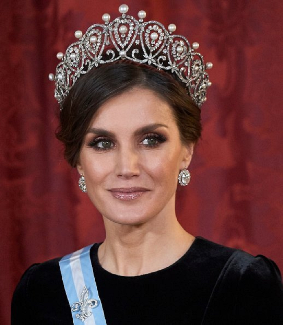 Royal bling Queen Letizia Wearing Her Pearl and Diamond Glittering Crown with Matching Diamond Earring Stud