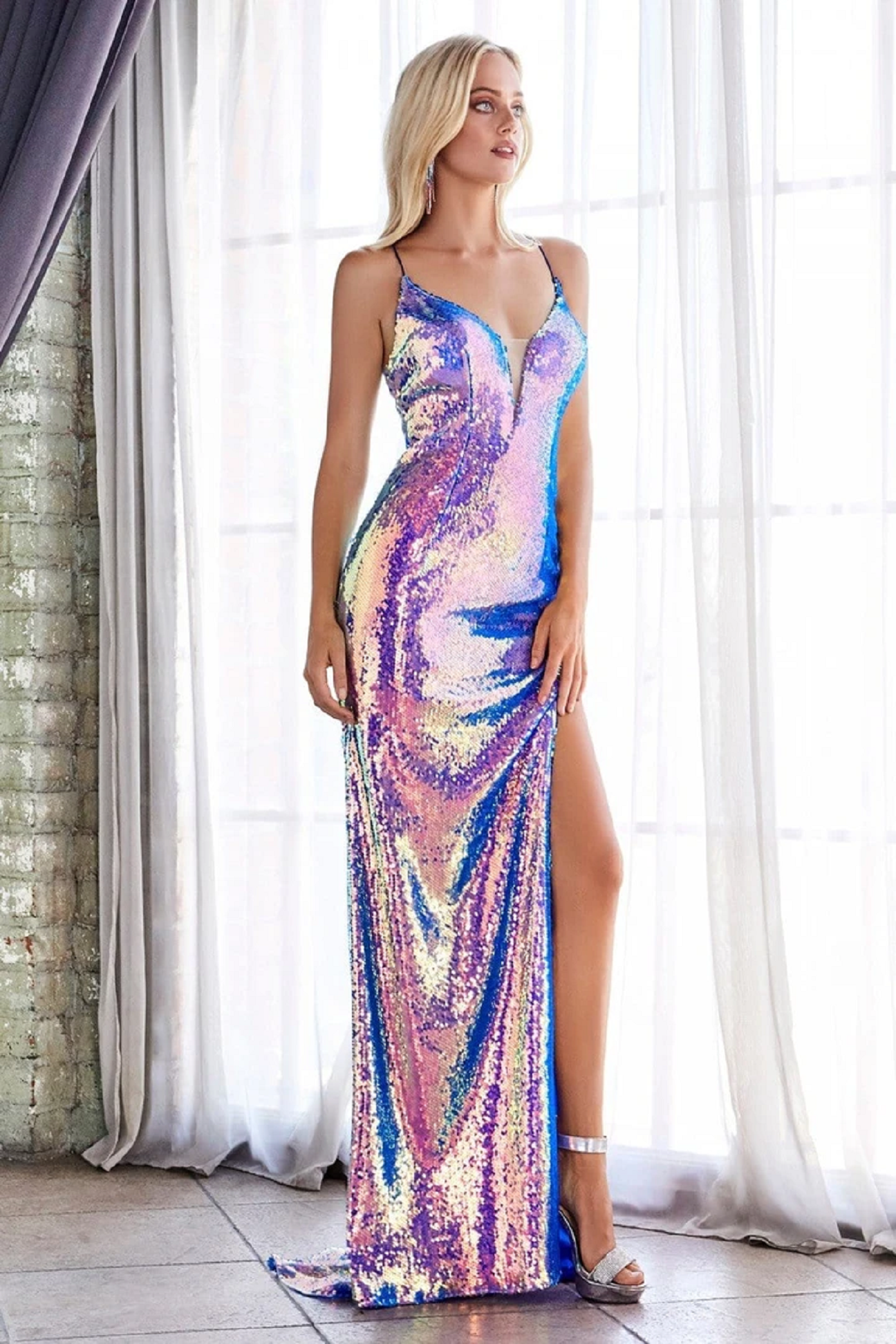 Best bling dresses online 2021 Long Iridescent Sequined Lace-Up Back with Deep V-Neck Sleeveless Elegant Strap Gown