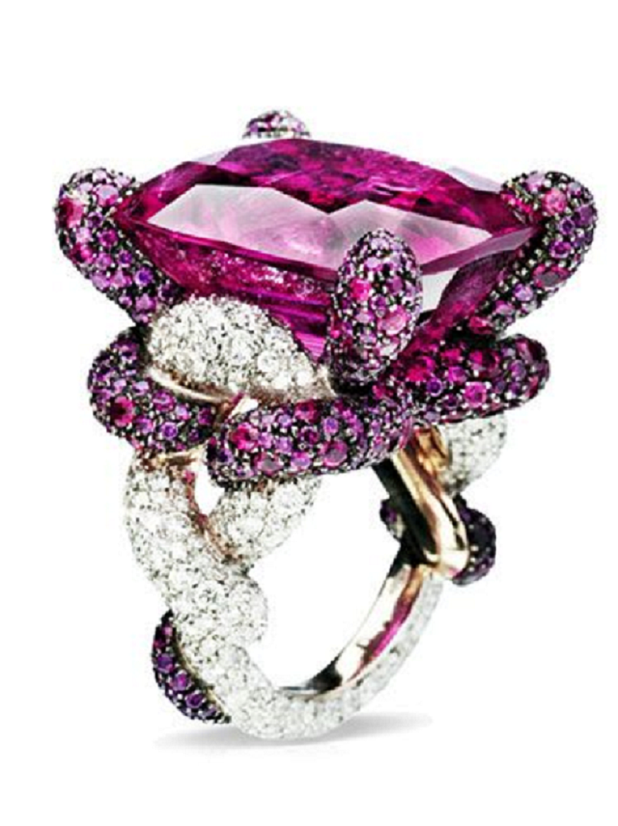 Best massive bling rings 2021 Glittering Ring with Orchid Purple Cut Jumbo Stone Diamond with Small Clear Diamonds