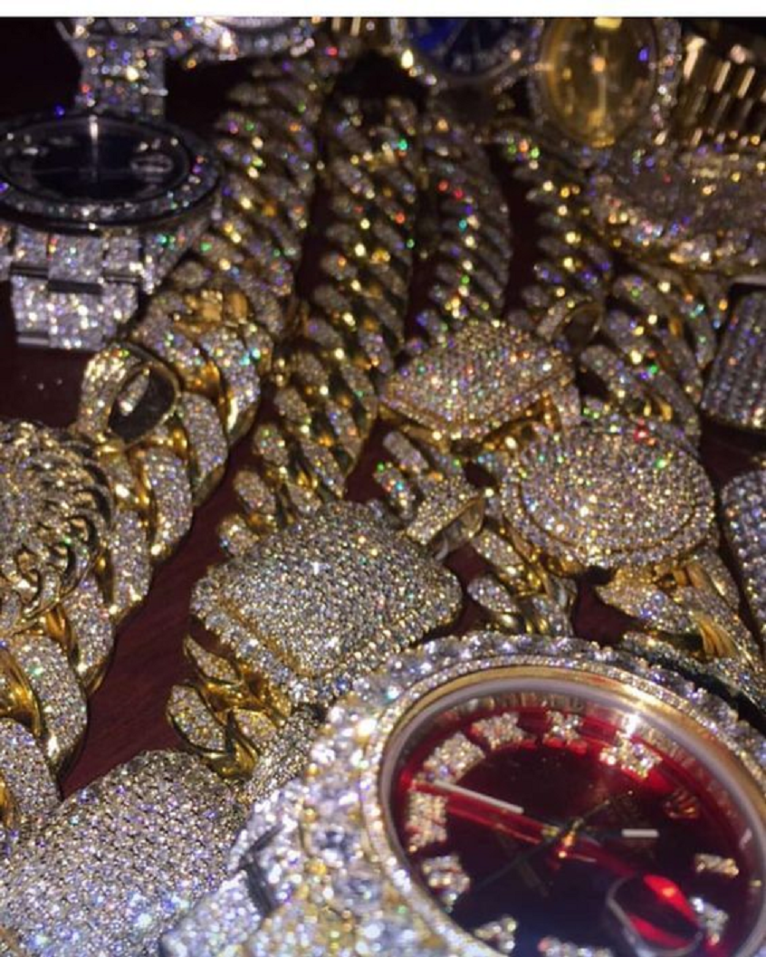 Best Hip Hop Bling 2021 Luxury Gold and Rhinestones Hiphop Jewells and Watch