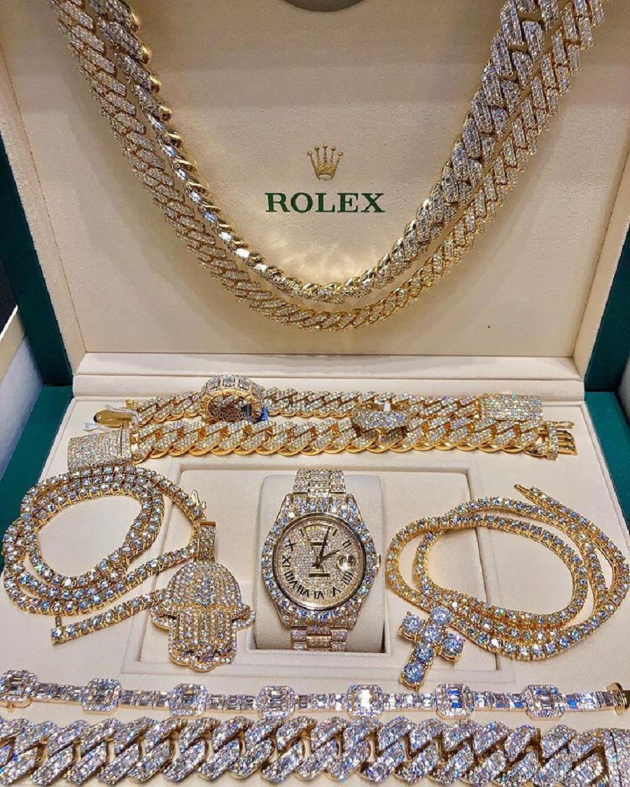 Best Hip Hop Bling 2021 Blinged out Rhinestone Chains with Cross Pendant and Bracelets and Watch