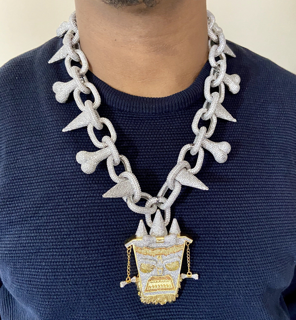 Best Hip Hop Bling 2021 The Rappers Favorite Trippie Redd Chain with Gold and Silver Rhinestone Pendant